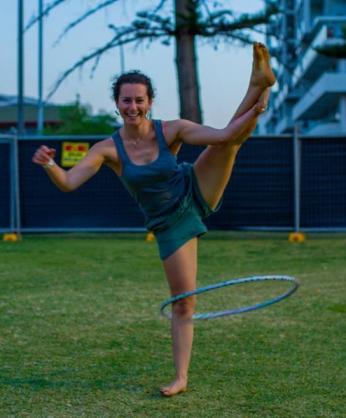 Rosie cropped hoop